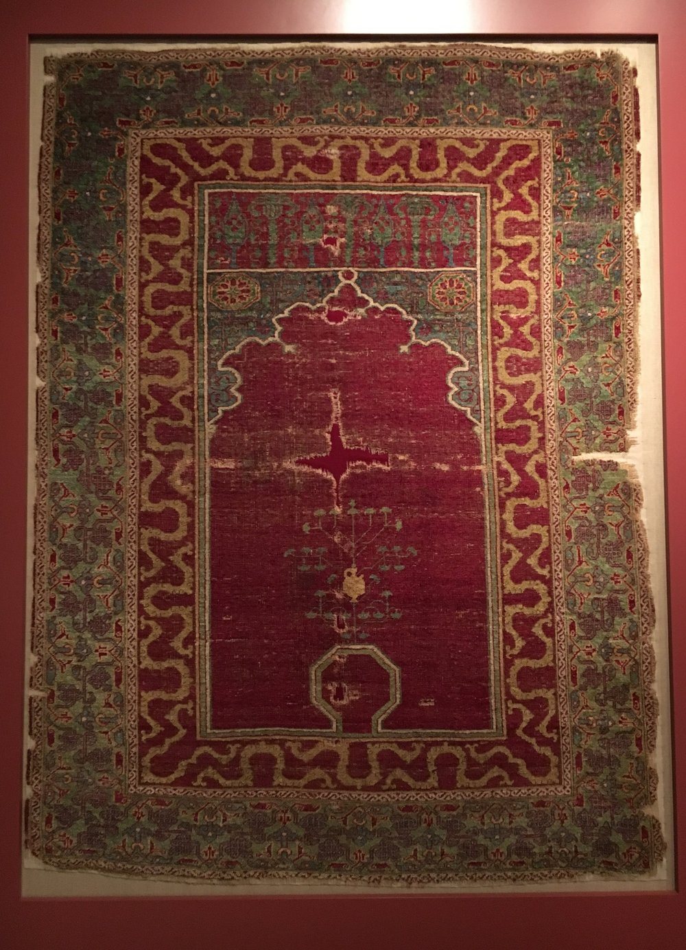 Knotted niche carpet,   around 1500, Egypt