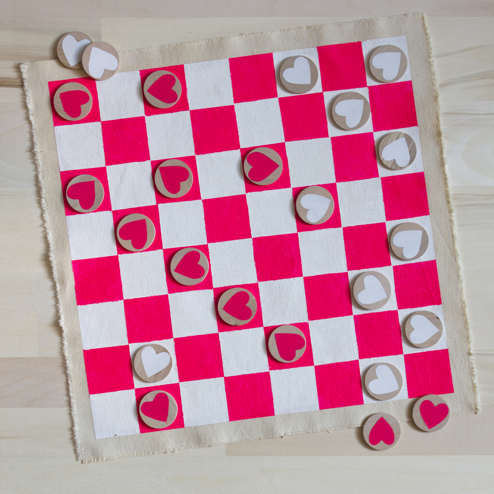 Its 5 Degrees Outside! No, Thank You. Iu0027m Opting To Stay Inside All Day And  Play This Valentineu0027s Day Inspired DIY Checkerboard!