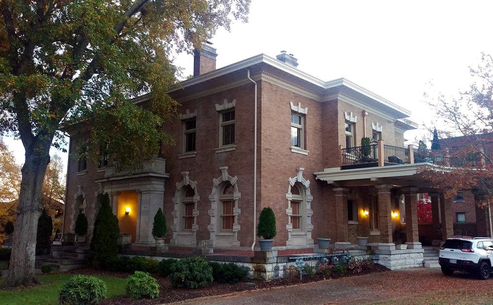 Vine Street, Chattanooga - Meridian Abbey
