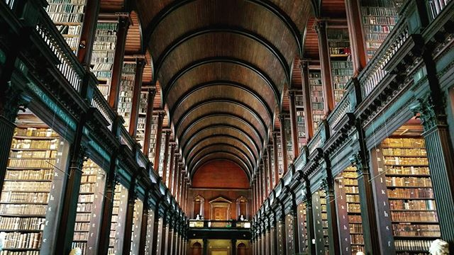 Overwhelming, really. . . . . . #trinitycollege #longroomlibrary #ancient #architecture #readabook #greatminds #intricate #handcarved #spiralstaircase #marblebust #librarydesign #libraryladder  #Dublin #Ireland #bucketlist #library #meridianabbey #librarylove