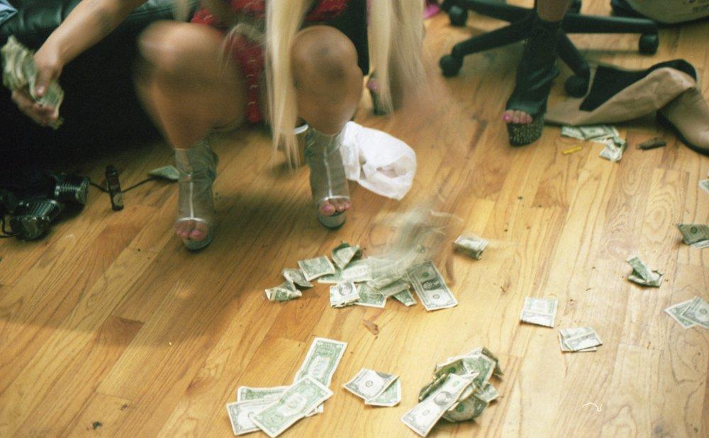 strippers048.jpg