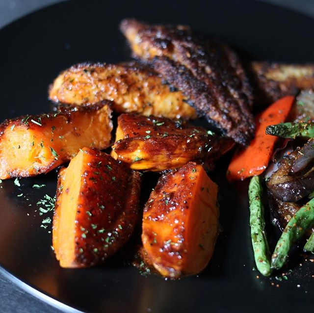 N'awlins Sweet Potatoes, Blackened Catfish & Grilled Veggies for our bridal clients! We're eating good over here!