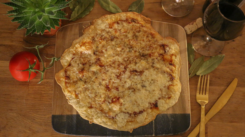 ST LOUIS STYLE PIZZA RECIPE BY FRAME 2 TABLE