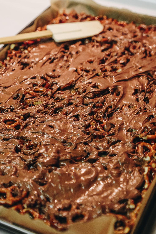 chocolatechristmasbark-3.jpg