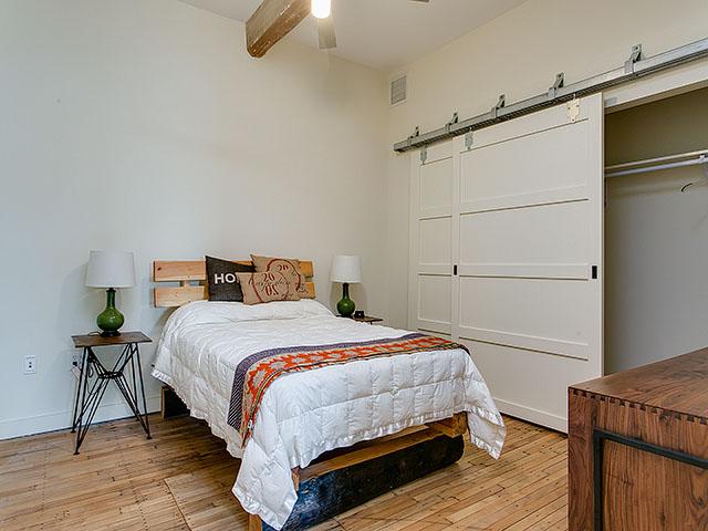 C103- bedroom.jpg