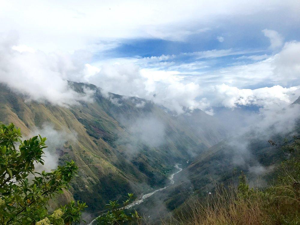 Bienvenidos camping site near the Inca site Llactapata,