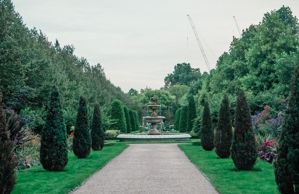 regent park london fountain.jpg