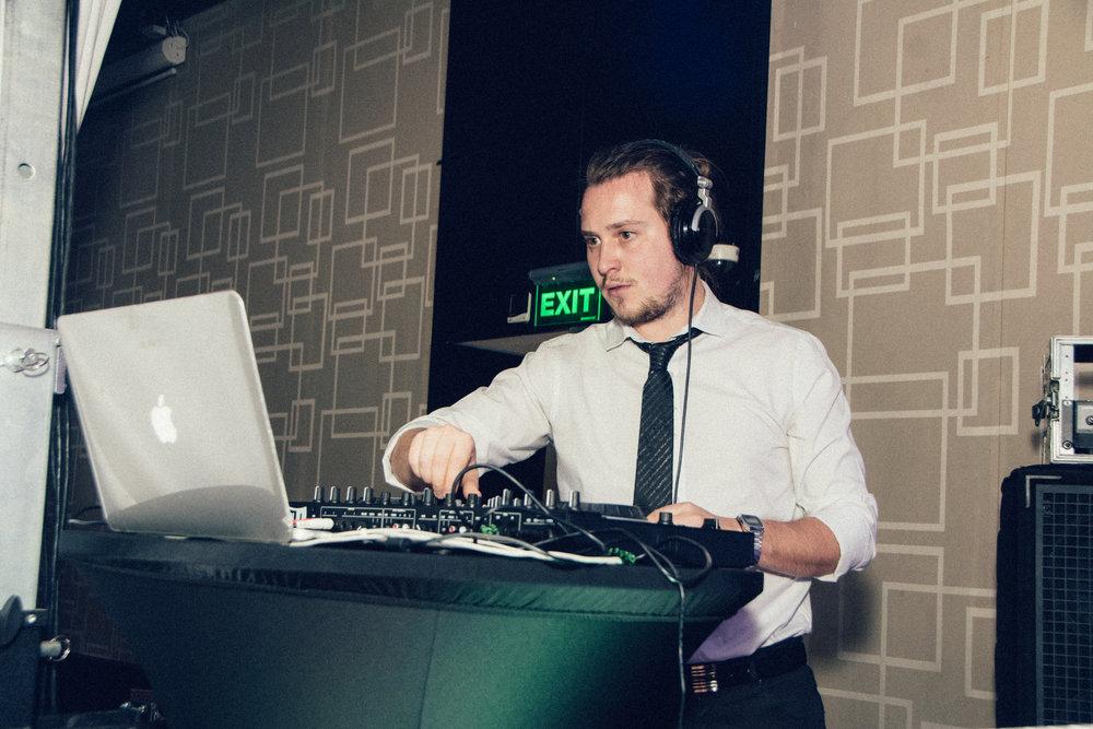 DJ Ariel Waldman