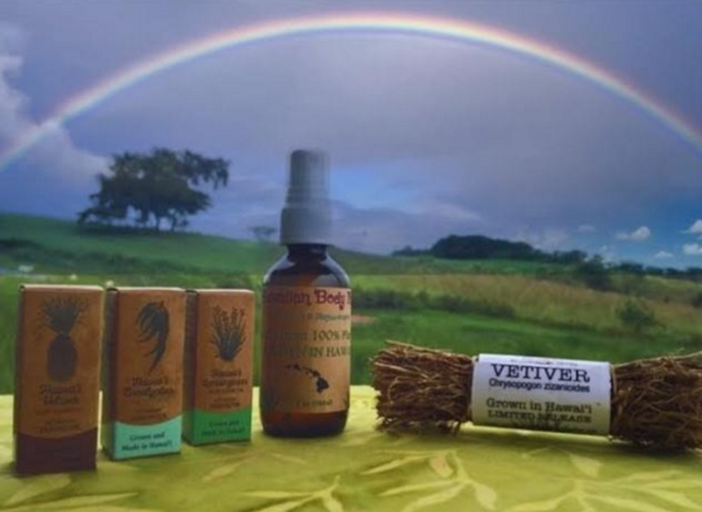 Aromatic Delights - Organic Essential Oils, Hawaiian Vetiver Hydration Mist (Hydrosol) & Vetiver Root Bundle