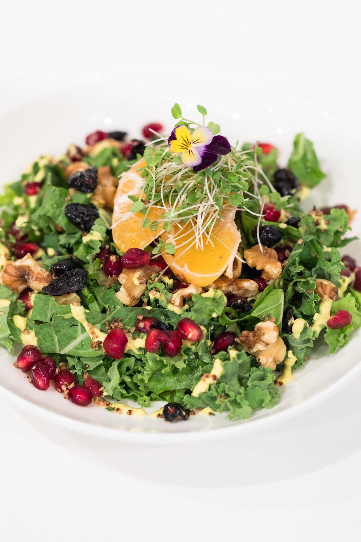 Maka-maui-vegan-cafe-organic-kale-salad.jpg