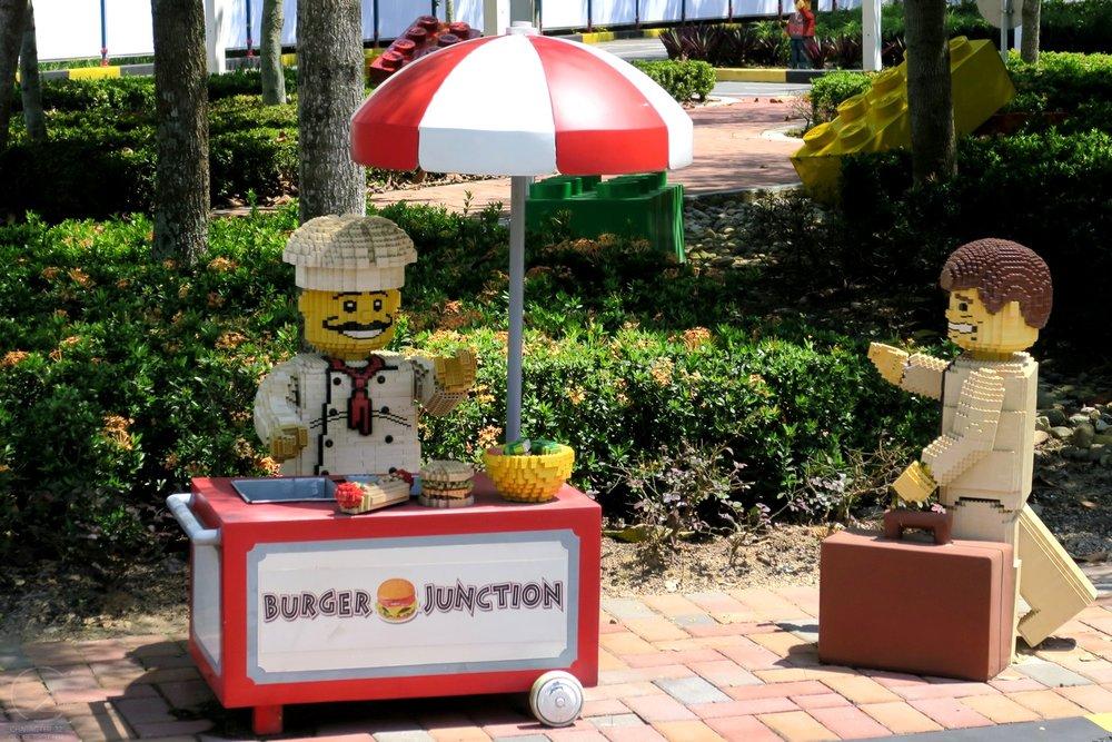 legoland-malaysia-lego-around-the-theme-park-character-32-globetrotter-travel-c32