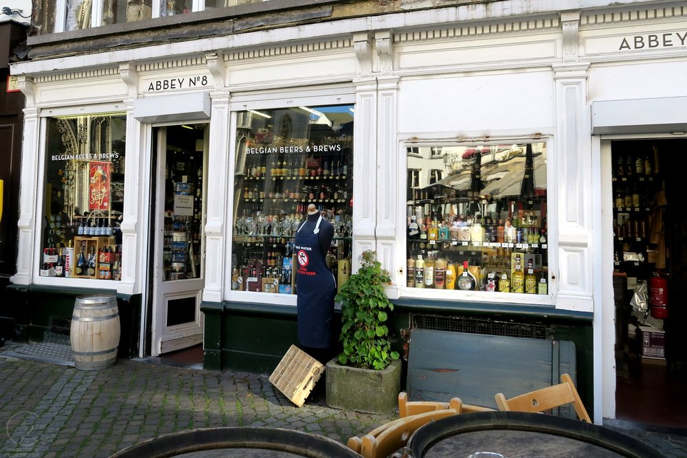 antwerp-belgium-character-32-globetrotter-belgian-beers-and-brews-front-of-shop