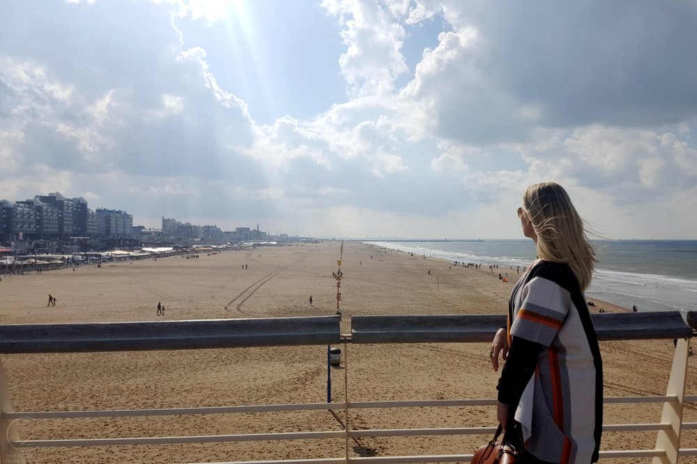 den-haag-netherlands-city-view-on-top-of-the-pier-beach-character-32-globetrotter-travel