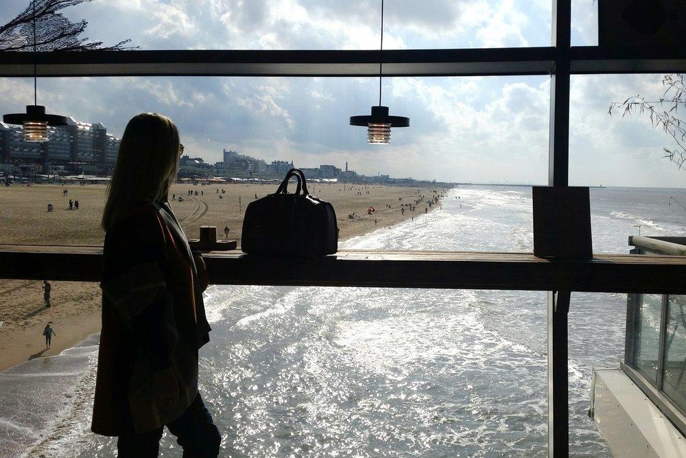 den-haag-netherlands-city-view-beach-inside-the-pier-character-32-globetrotter-travel