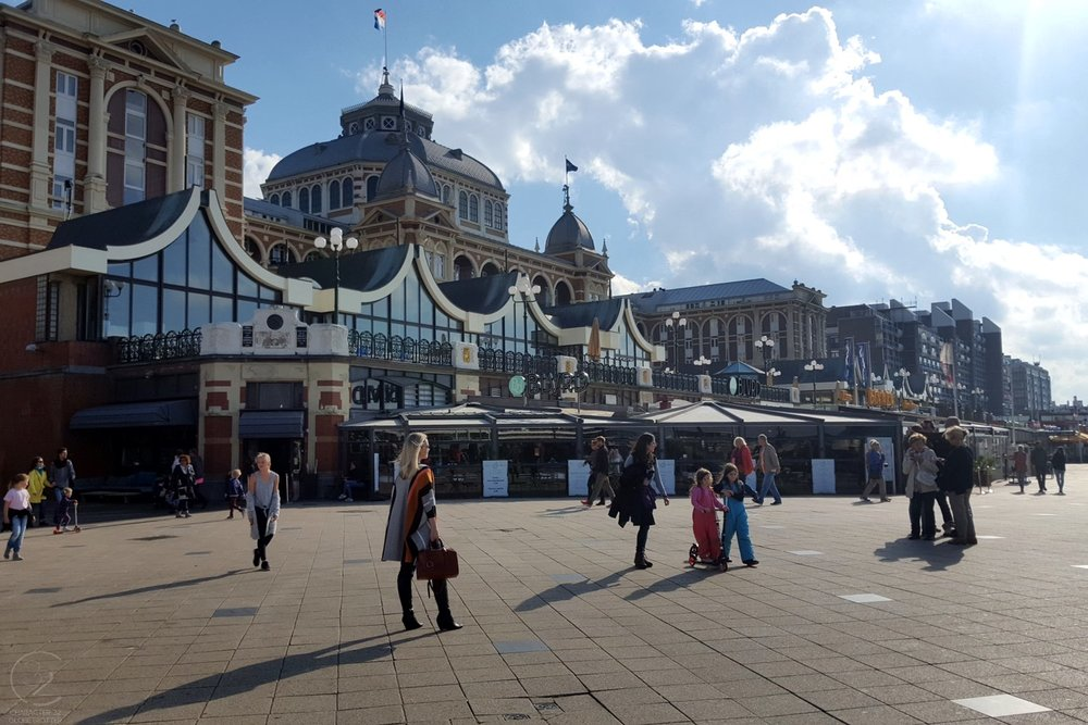 den-haag-netherlands-city-area-the-pier-character-32-globetrotter-travel