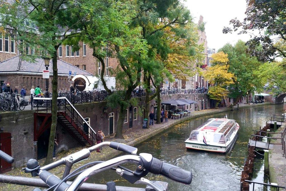 utrecht-netherlands-bikes-along-canal-character-32-globetrotter-travel