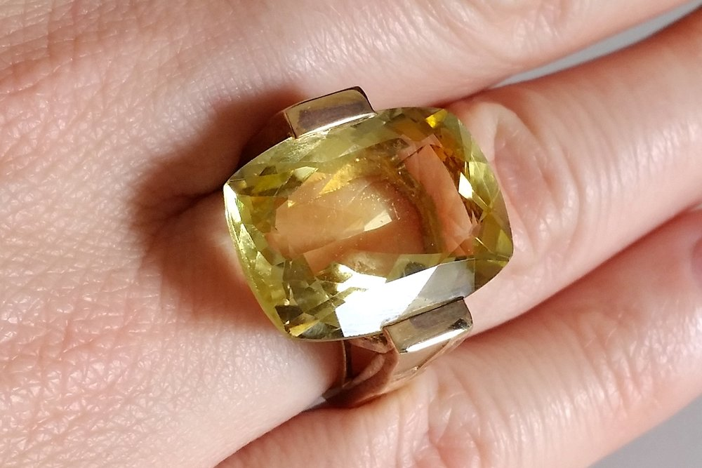 semi-precious-stone-large-lemon-quartz-dave-ring-upclose-character-32