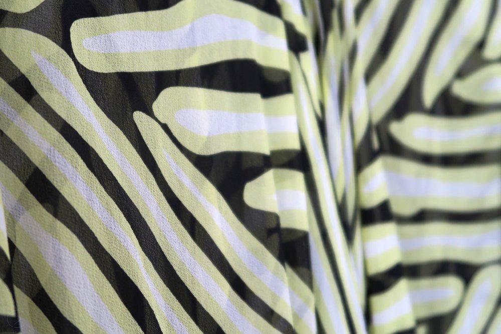 character-32-designer-dvf-kaftan-yellow-black-white-silk