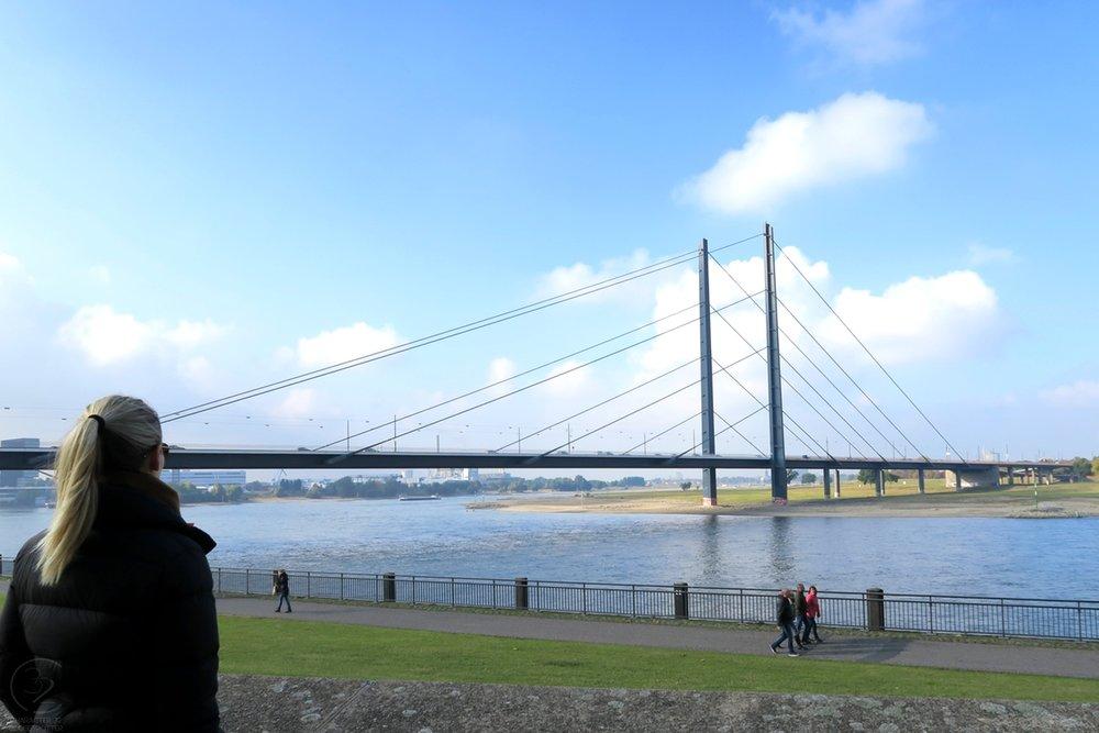dusseldorf-germany-europe-character-32-globetrotter-c32-knie-bridge-rhine-river