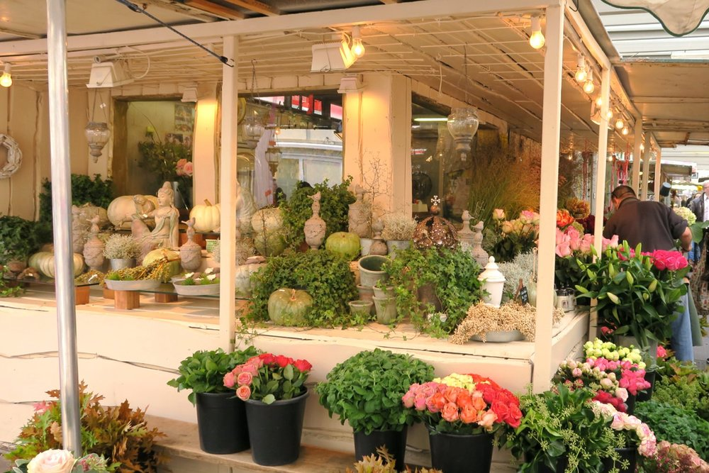dusseldorf-germany-europe-character-32-globetrotter-wochenmarkt-carlsplatz-flowers