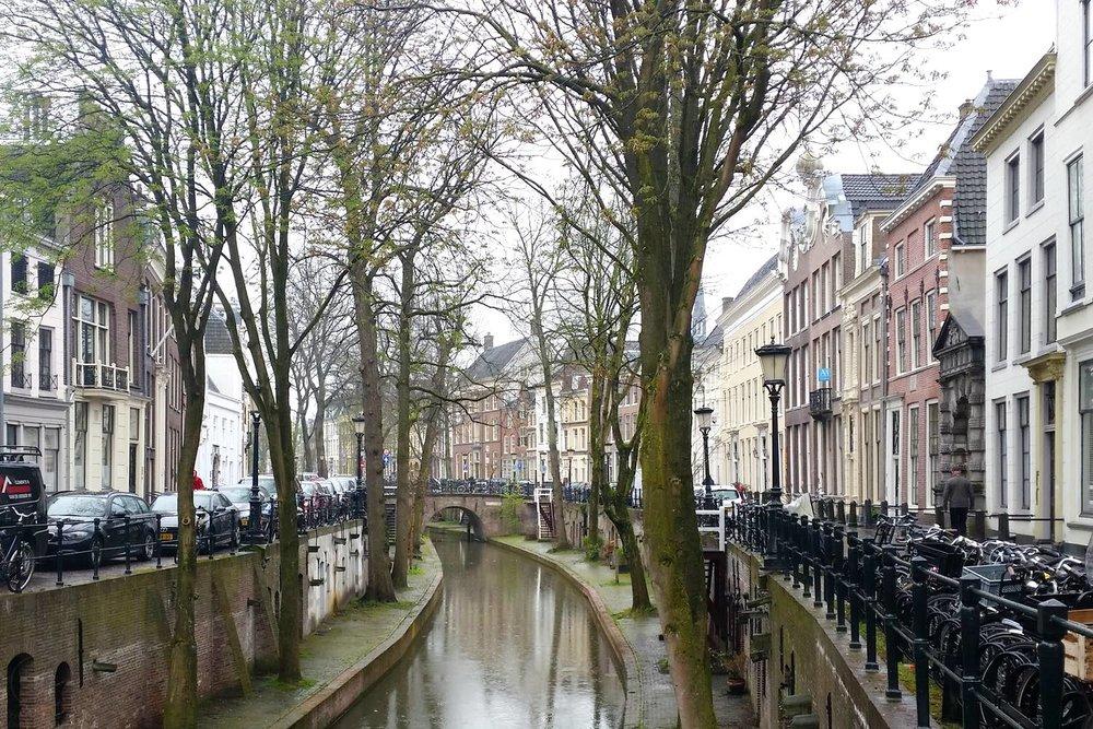 utrecht-netherlands-character-32-c32-globetrotter-canals