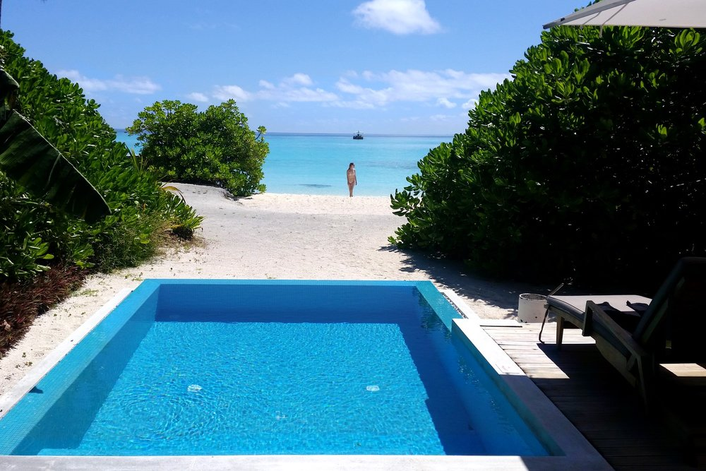 maldives-velassaru-beach-villa-with-pool-c32-character-32-globetrotter-travel