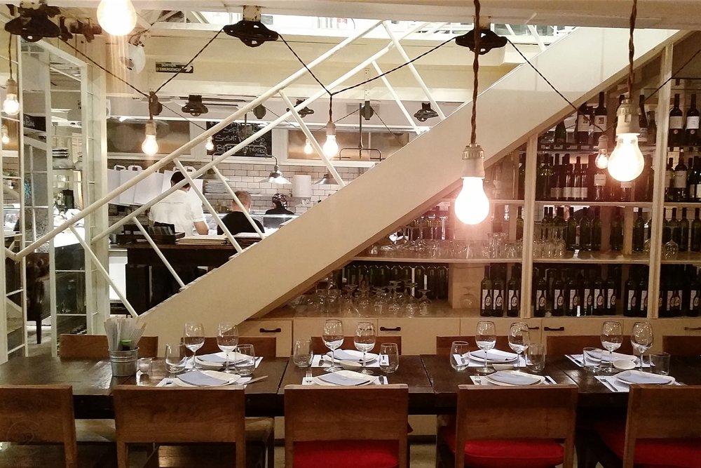 barcelona-spain-character-32-globetrotter-travel-fishop-restaurant