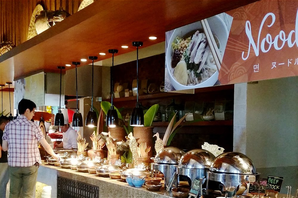 shangri-la-boracay-food-and-breakfast-noodle-bar-c32-character-32-globetrotter-travel-jetsetter