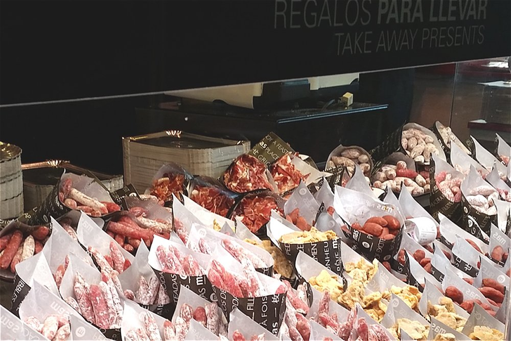 madrid-market-of-san-miguel-food-meat-character-32-globetrotter-in-spain