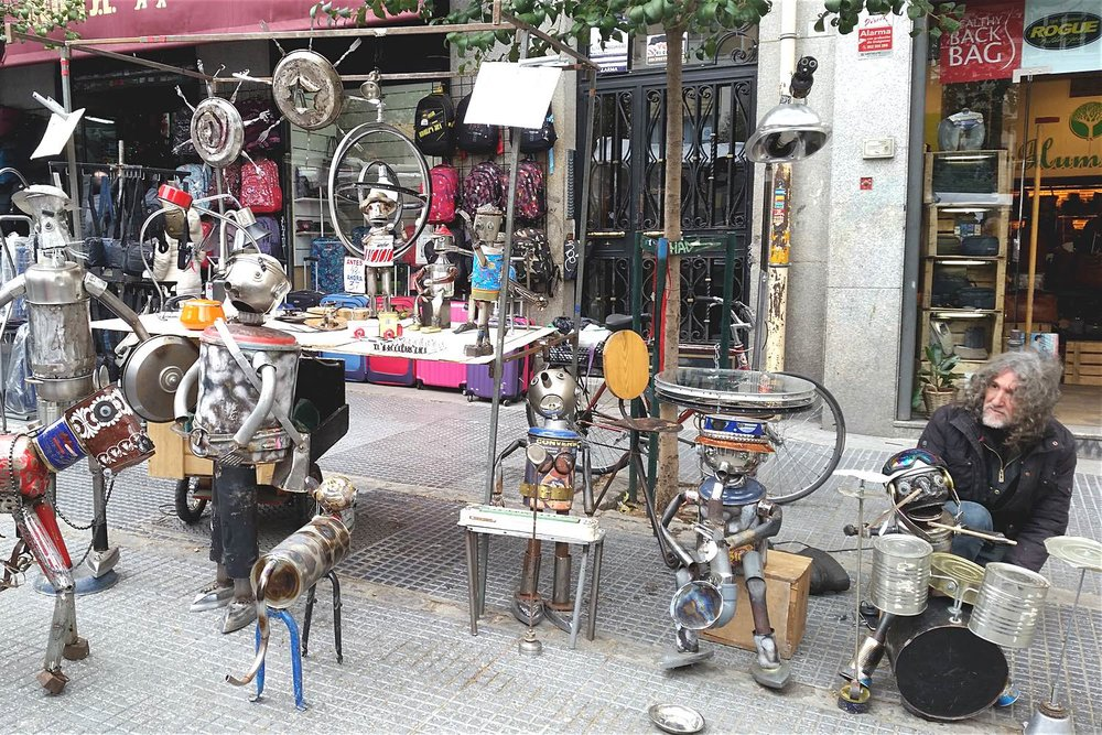 madrid-sunday-markets-artist-character-32-globetrotter-in-spain