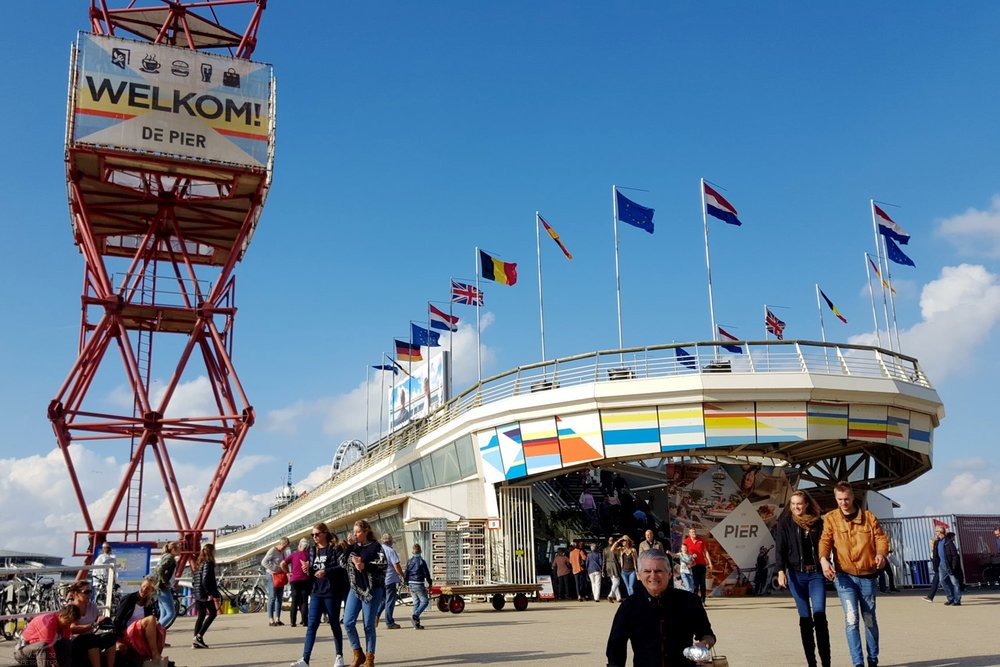 den-haag-netherlands-city-view-of-the-pier-character-32-globetrotter-travel