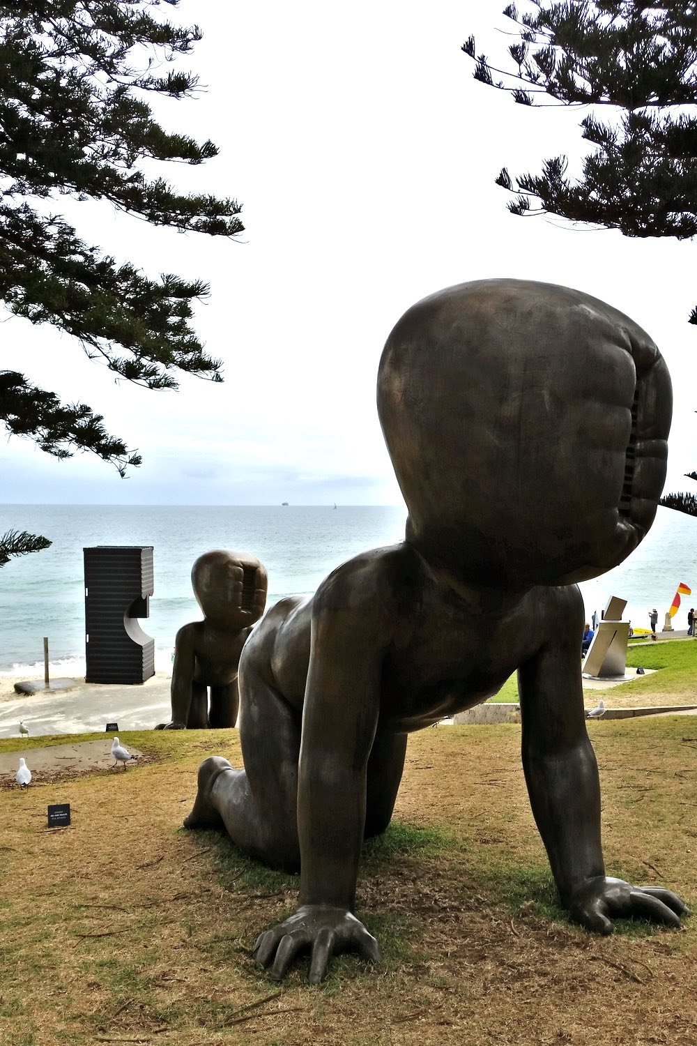sculpture-by-the-sea-cottesloe-character-32-face-of-man