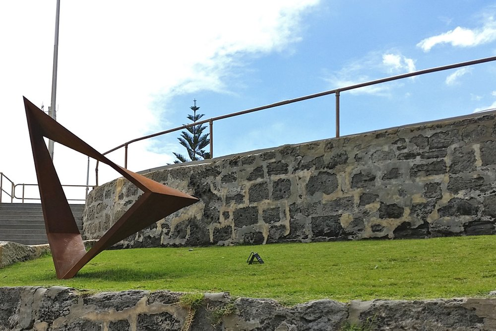 sculpture-by-the-sea-cottesloe-character-32-triangle