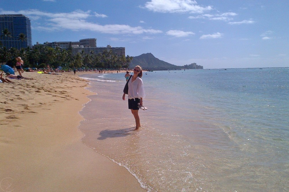 hawaii-waikiki-character-32-c32-travel-at-the-beach