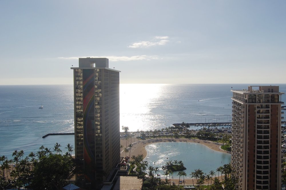hawaii-waikiki-character-32-c32-travel-room-view-of-beach