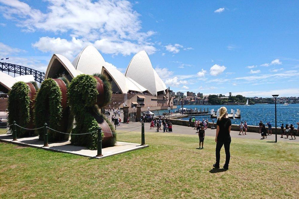 sydney-australia-character-32-c32-travel-botanical-garden-opera-house