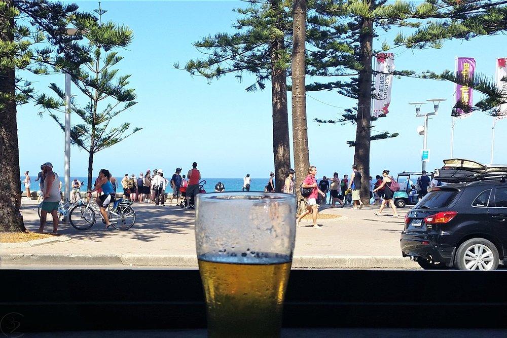 sydney-australia-character-32-c32-travel-manly-steyne-hotel-view-of-beach