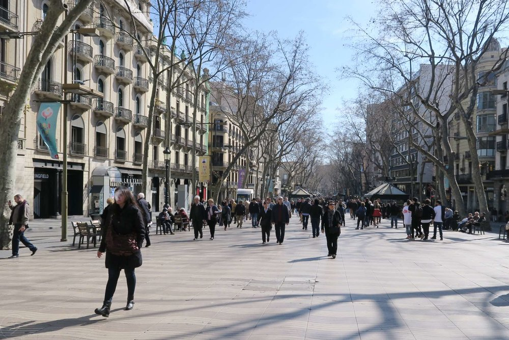 barcelona-spain-character-32-c32-globetrotter-la-rambla-in-winter-time