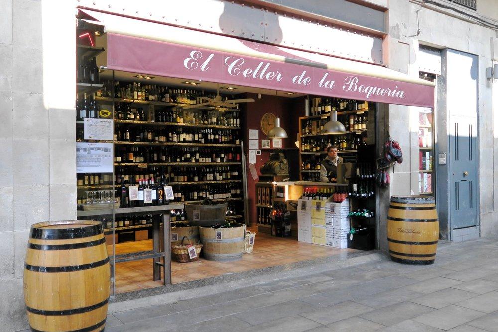 barcelona-spain-character-32-globetrotter-travel-la-boqueria-market