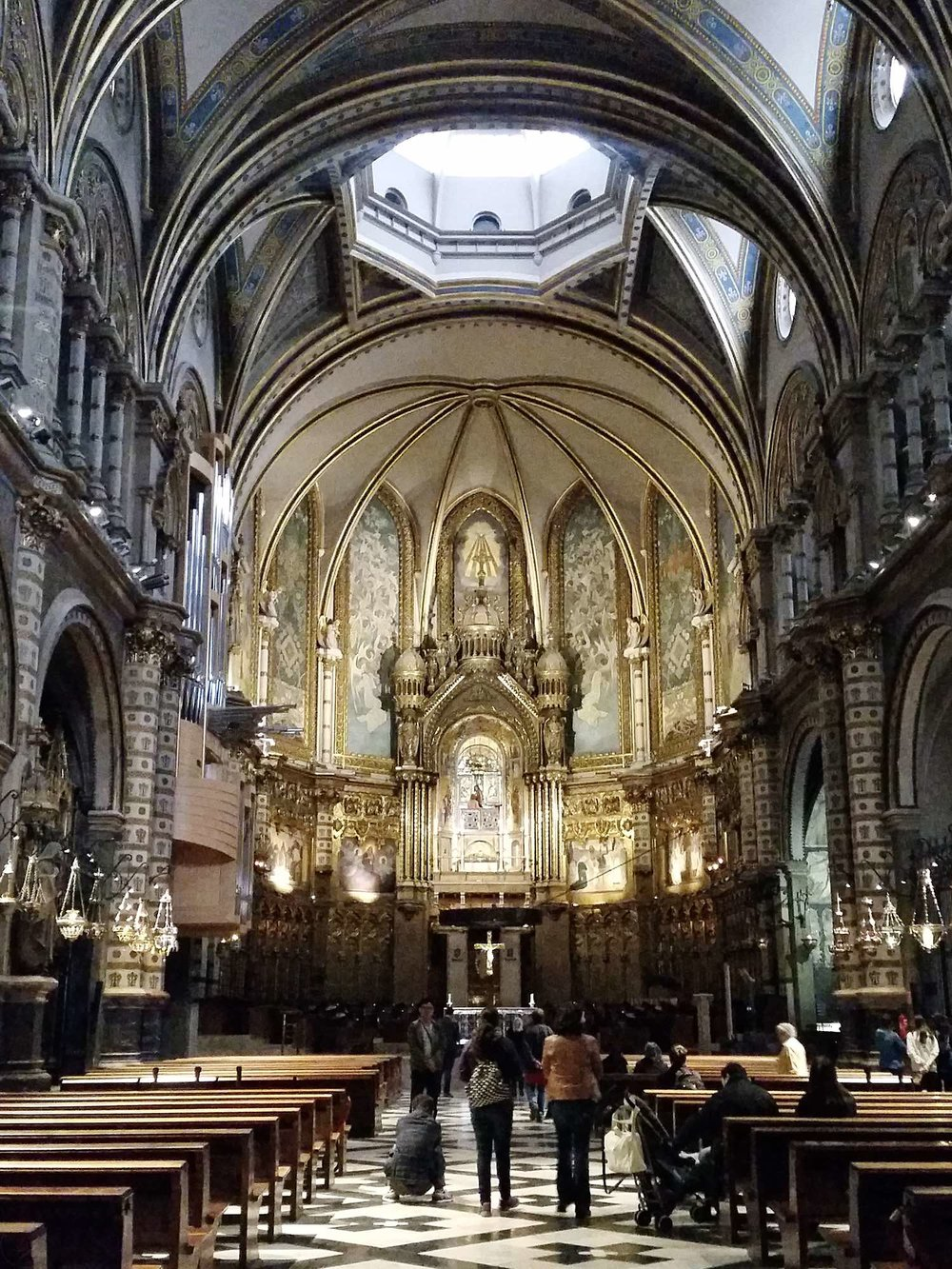 montserrat-catalonia-spain-character-32-c32-globetrotter-travel-basilica-church
