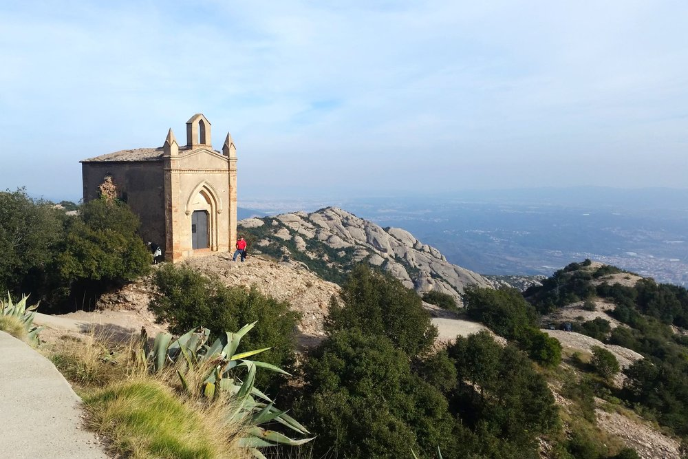 Train Day Trip from Barcelona to Montserrat Mountains