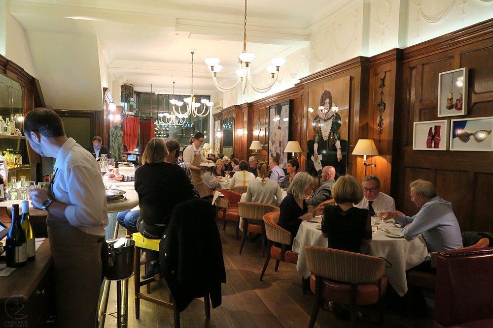 wild-honey-london-restaurant-drinks-restaurant-inside-character-32-c32-globetrotter-travel