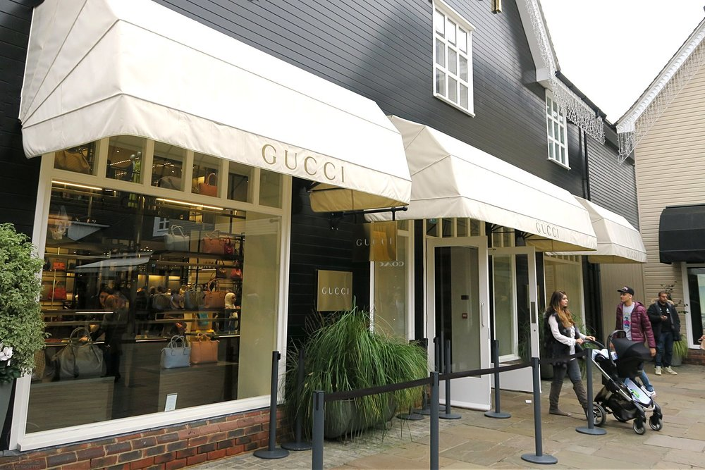 london-bicester-village-character-32-globetrotter-travel-shopping-gucci