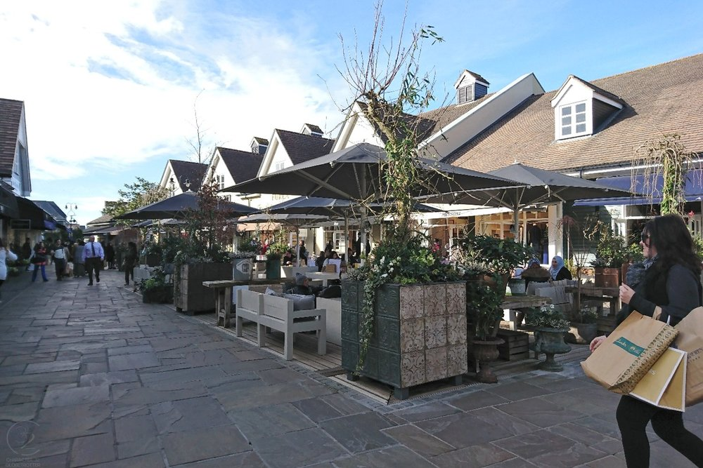 london-bicester-village-character-32-globetrotter-travel-shopping