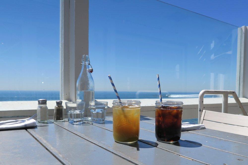 malibu-farm-pier-restaurant-cafe-california-character-32-c32-travel-america-usa-drinks
