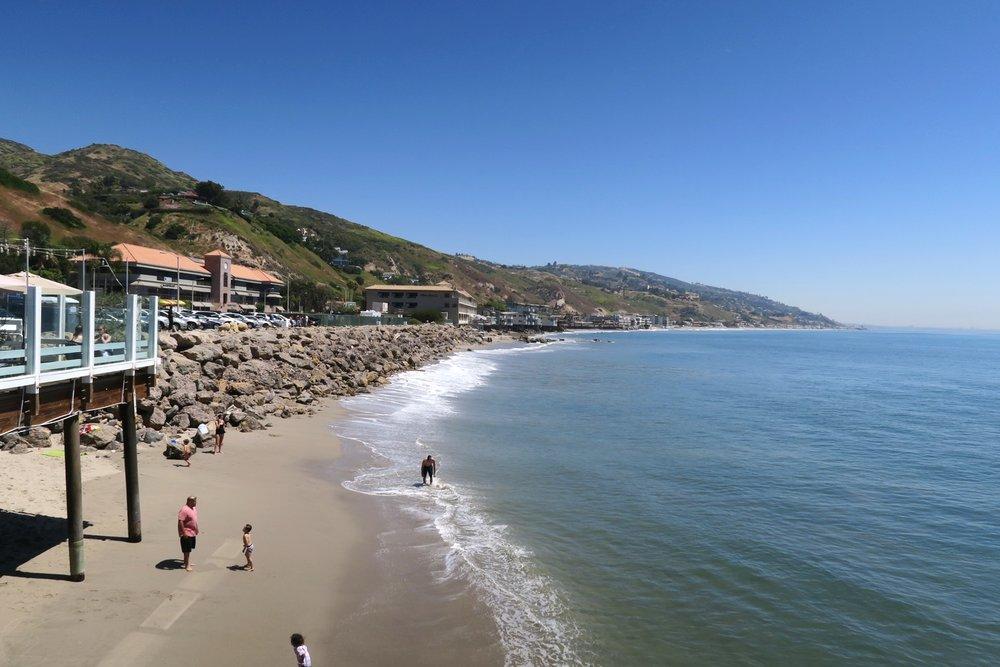 malibu-farm-pier-restaurant-cafe-california-character-32-c32-travel-america-usa-view-of-malibu