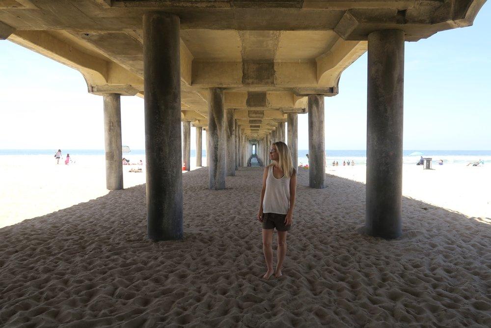 huntington-beach-california-character-32-c32-travel-america-usa-orange-county-pier