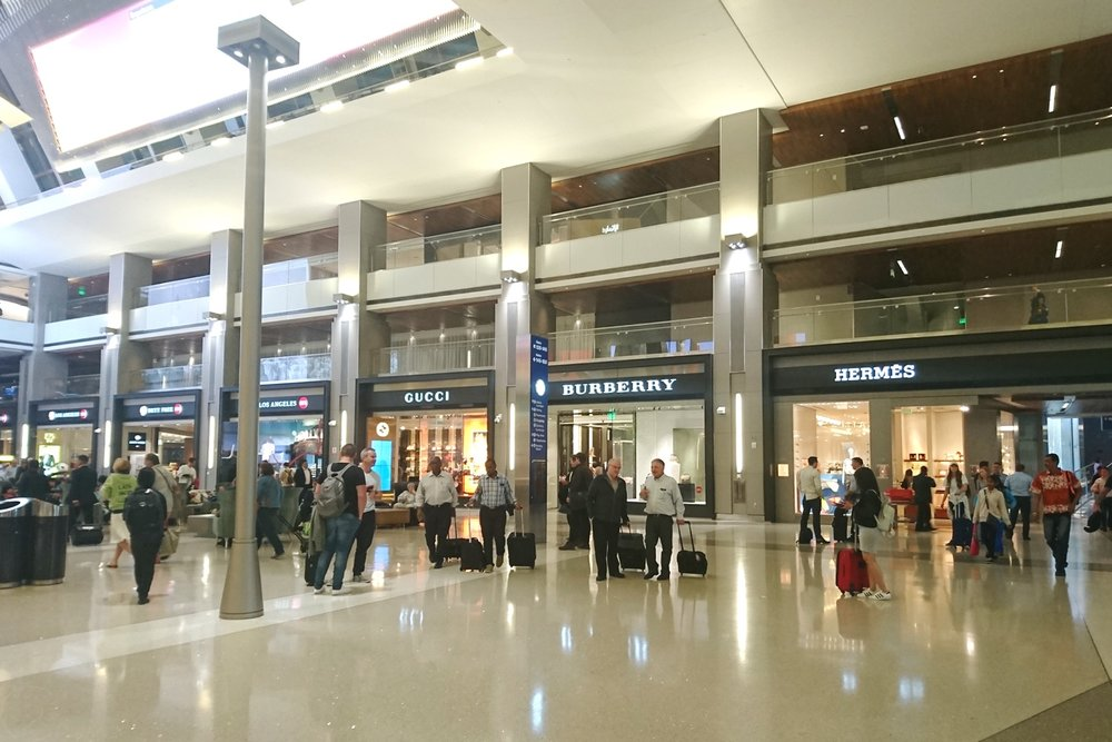 lax-los-angeles-la-airport-california-character-32-c32-travel-america-usa-tbit-tom-bradley-international-terminal-duty-free-shopping