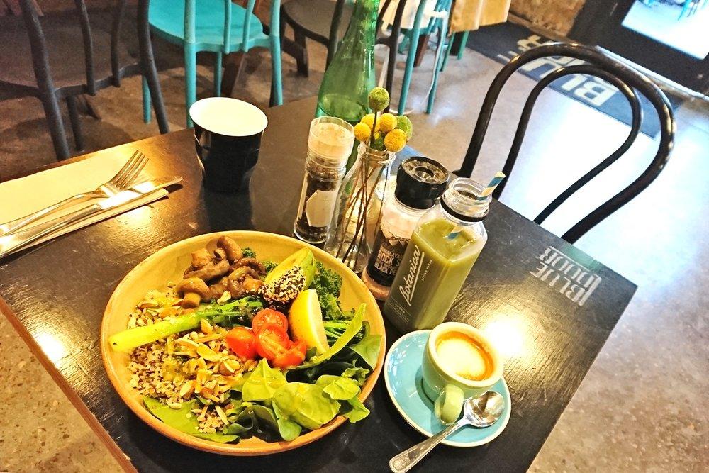 newcastle-nsw-australia-character-32-c32-travel-blue-door-green-breakfast-bowl-salad