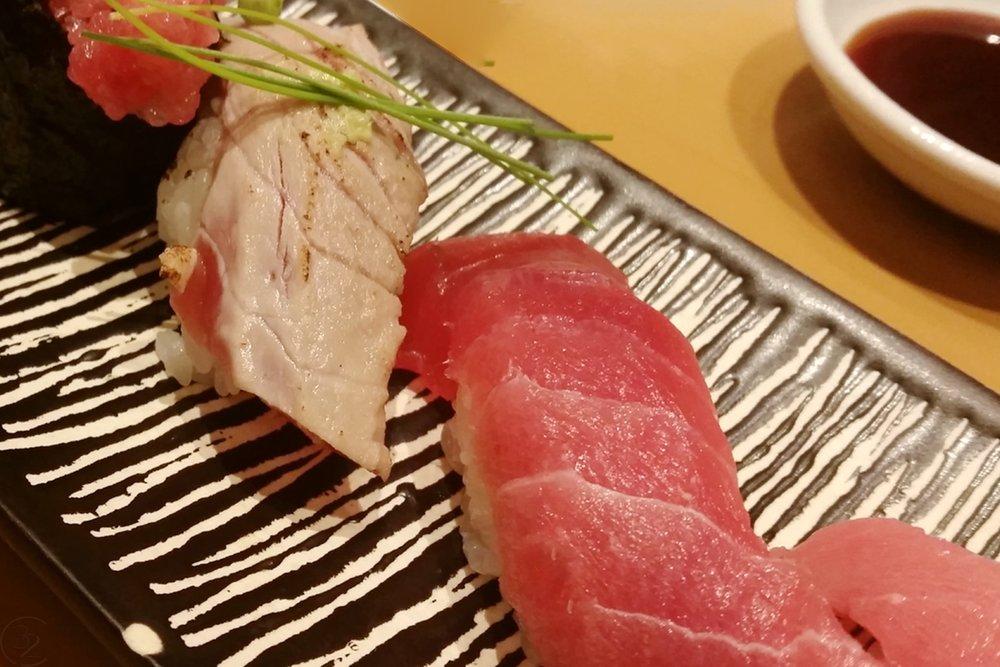 tokyo-japan-character-32-c32-asia-travel-sushi-mamire-shinjuku